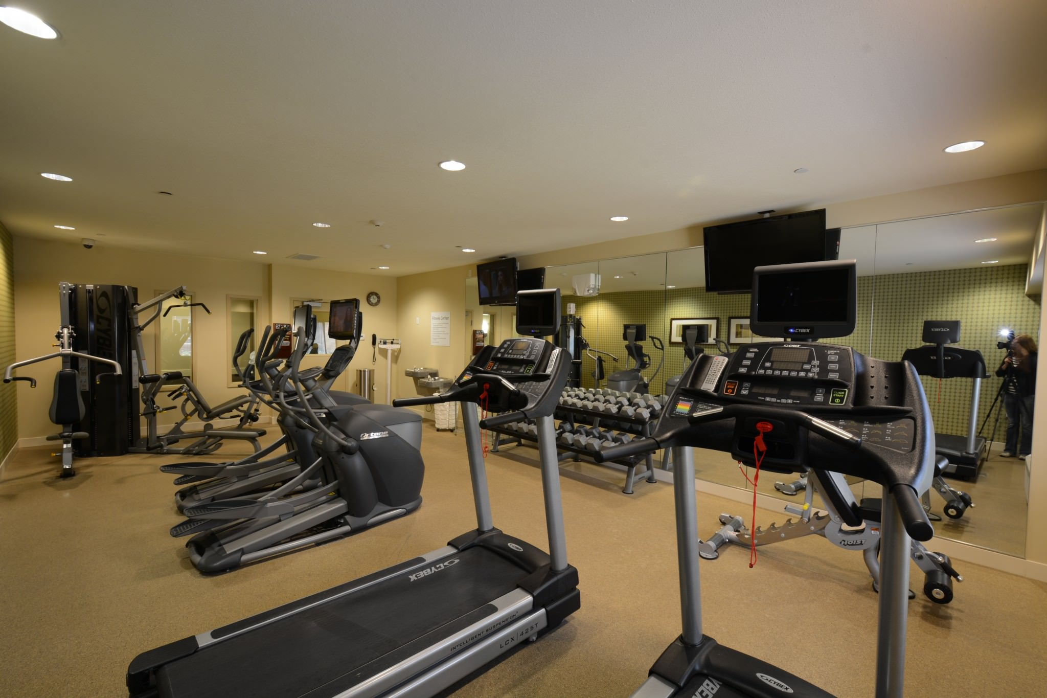 Holiday Inn exercise room