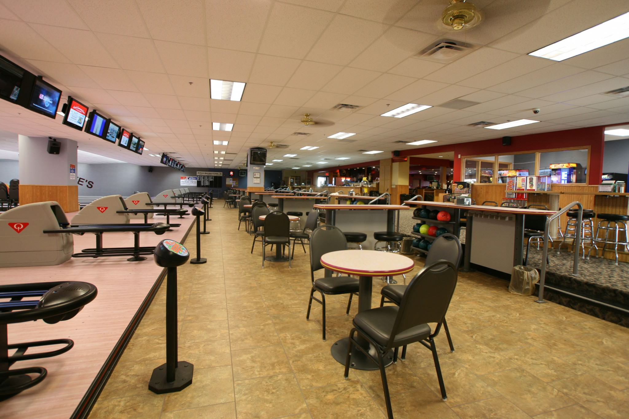 McPete's bowling alley sitting area